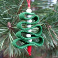 Christmas Tree Activities, Crafts, and Ideas for Kids Felt Christmas, Christmas Tree Ornaments, Christmas Crafts, Crafts For Kids, Arts And Crafts, Ornament Crafts, How To Make Paper, Paper Plates, Activities