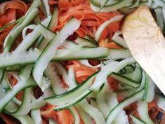 Zöldség metélt pirított baconnal | Gór Nagy Krisztina receptje - Cookpad receptek Cucumber, Bacon, Vegetables, Food, Essen, Vegetable Recipes, Meals, Yemek, Pork Belly