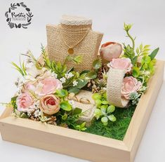 Wedding Gift Hampers, Wedding Gift Boxes, Wedding Cards, Diy Wedding, Ring Pillow Wedding, Wedding Ring Box, Diy Crafts For Gifts, Diy Home Crafts, Creative Wedding Gifts