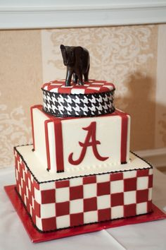 Alabama Groom's Cake Alabama Grooms Cake, Alabama Cakes, Romantic Wedding Inspiration, Wedding Ideas, Rustic Rehearsal Dinners, Chanel Cake, Grooms Table, Graduation Food, Football Quotes