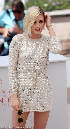 Cannes 2016. Kristen Stewart in Chanel dress and Giuseppe Zanotti metallic heels (4)