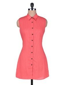 Check out what I found on the LimeRoad Shopping App! You'll love the Red Cotton Sleeveless Tunic with Buttons. See it here http://www.limeroad.com/products/1116247?utm_source=05dd742196&utm_medium=android