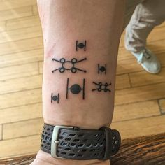 Minimalist star wars walk in was fun. Star Wars Tattoo, War Tattoo, Tattoo You, Future Tattoos, New Tattoos, Body Art Tattoos, Cool Tattoos, Tatoos, Piercing