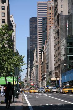 Fifth Avenue, New York City, New York, USA.