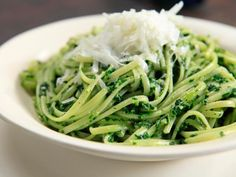 Linguini with Kale Pesto Recipe : Rachael Ray : Food Network Food Network Recipes, Food Processor Recipes, Cooking Recipes, Healthy Recipes, Meatless Recipes, Vegan Meals, Cheese Recipes, Healthy Foods, Cooking Tips