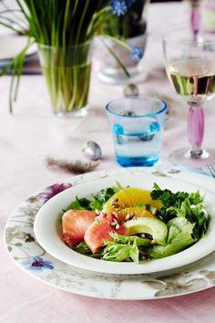 Appelsiini-avokado-lohisalaatti | K-ruoka #pääsiäinen