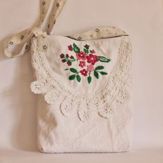 @ Roxy Creations: Vintage embroidery bags