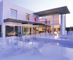 maison-cubique-extérieur-blanc-glamoureux