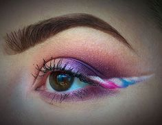 Unicorn Makeup - Unicorn Winged Eye Liner