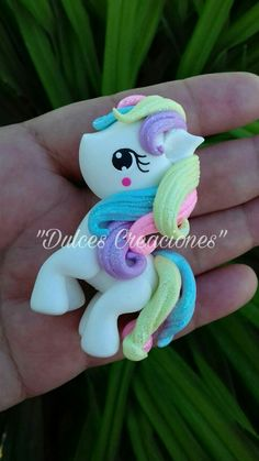 Polymer Clay Sculptures, Polymer Clay Miniatures, Sculpture Clay, Polymer Clay Crafts, Fondant Toppers, Cupcake Toppers, Kawaii Crafts, Unicorn Crafts, Polymer Clay Pendant