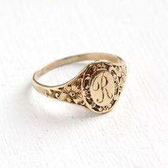Antique Art Deco Monogrammed R Yellow Gold Ring - Vintage Flower Size . - Antique Art Deco Monogrammed R Yellow Gold Ring – Vintage Flower Size 4 Etched Initial - Art Deco Jewelry, Cute Jewelry, Gold Jewelry, Jewelry Accessories, Jewelry Design, Gold Bracelets, Diamond Earrings, Jewelry Rings, Jewellery Earrings
