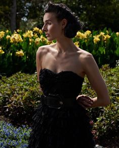and smell the  !  Photographer: @jeffdietz  Wardrobe: @betseyjohnson | @fendi  Location: @thedallasarboretum . . . . . #wlyg #scout #modelphotography #model #modellife #jagmodels #dallas #editorial #curves #motheragency #vogue #barcelona #italy #influencer #creative #brick #photography #modeling #photo #portrait #beautiful #magazine #fashion #portraitphotography #makeup #bridalmakeup #weddingphotography #style #photooftheday #hair