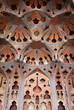 Ali Qapu - Music room - Isfahan - Iran Ālī Qāpū (Turkish for Sublime Gate; Persian: عالی‌قاپو) is a grand palace in Isfahan, Iran. In the sixth floor music room, deep circular niches are found in the walls providing acoustics with a phenomenal aesthetic. Persian Architecture, Gothic Architecture, Beautiful Architecture, Beautiful Buildings, Interior Architecture, Beautiful Places, Teheran, Kirchen, Islamic Art