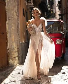 Shared by Iza. Find images and videos about girl, fashion and style on We Heart It - the app to get lost in what you love. High Fashion, Fashion Beauty, Vogue Fashion, Fashion Hair, Muse By Berta, Model Legs, Girl Model, The Dress, Formal Dresses