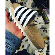 ADILETTE WOOD W Summer!! #adidas #adidasadilette #summer #sneakers #kicks #sandals #sneakers #sneakernews