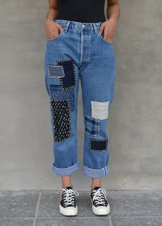 Personaliza tus jeans gratis - Patchwork jeans DIY ★★★★★ 417 Opiniones - Patrones y Labore Diy Jeans, Jeans Denim, Hollister Jeans, Blue Jeans, Patchwork Jeans, Ripped Jeggings, Ripped Skinny Jeans, Denim Fashion, Fashion Outfits