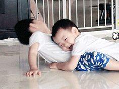 Minguk is pure cuteness Korean Babies, Asian Babies, Cute Babies, Baby Kids, Baby Boy, Triplet Babies, Superman Kids, Man Se, Song Triplets