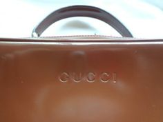 GUCCI VINTAGE WOMEN'S DESIGNER PURSE, BROWN LEATHER, BAMBOO TOGGLE ZIP, A++ COND BID NOW!!