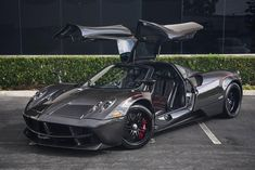 A Pagani Huayra with a full carbon fiber body is up for sale. The car is located in California, it is constructed in 2014 and it is equipped with a AMG engine that Exotic Sports Cars, Cool Sports Cars, Exotic Cars, Jaguar Xk, Jaguar E Type, Car Racer, Pagani Huayra, Import Cars, Latest Cars