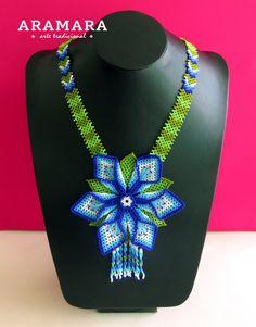 Corte de flores de abalorios de mexicana Huichol collar por Aramara Seed Bead Jewelry, Diy Jewelry, Beaded Jewelry, Beaded Necklace, Jewelry Design, Dog Sweater Pattern, Peyote Beading, Beads And Wire, Jewelry Patterns