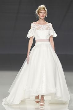 Cymbeline Spring 2018 Bridal- The Impression, Fashion News