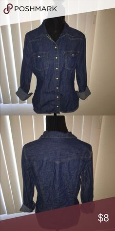 Denim Shirt This is a H&M denim shirt on worn 2 times in good condition. ALL CLOTHING is either NWT or Preloved has been washed and sanitized and kept in a  pet free and  smoke free home.   Too expensive gonna break the bank. Than add me to a  bundle deal or use the Offer  Button.    NO LOW BALLING  Reasonable offers will be accepted, I do love negotiating. But Please Do Not  offer 40% below the asking price. H&M Tops Button Down Shirts