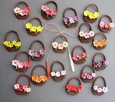 Spring baskets Best of handmade Polymer Clay Miniatures, Polymer Clay Projects, Diy Clay, Paper Quilling Designs, Quilling Craft, Accessoires Barbie, Polymer Clay Flowers, Clay Creations, Clay Art