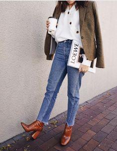 Short jeans boots an