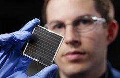 Crean paneles solares más baratos con compuesto obtenido del agua demar