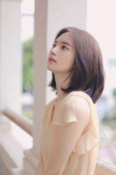 Koreans were absolutely astounded after finding out that this gorgeous model had been offered to join all of SM, YG and JYP but she had refused. Short Shaggy Bob, Cute Asian Girls, Beautiful Asian Girls, Cute Girls, Korean Short Hair, Korean Girl, Korean Beauty, Asian Beauty, Yoon Sun Young