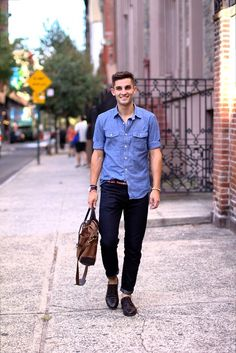 Men's street style 101: Light denim on dark denim - extra points for bare ankles!  #streetstyle