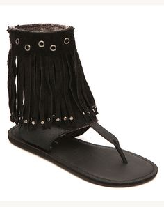 can't beat a fringed sandal