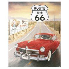 Metalen plaat/emaille reclame bord van Route 66 US met auto. De plaat geeft een afbeelding uit de fifties weer van Route 66 met op de voorgrond een auto. U kunt de metalen wand plaat aan de muur bevestigen. Formaat: ongeveer 39 x 30 cm.