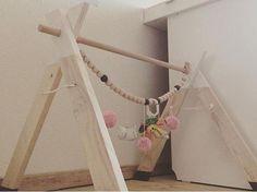 Den kreative, snart uddannede indretningsarkitekt og kommende morTina, bruger den søde ventetid på, at indrette babyværelset, og mange af tingene laver hun selv. Hun elsker nemlig det personlige t…