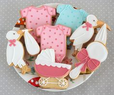 Baby Shower Cookies. Cookies from a course in Peggy Porschen Academy http://ifeelcook.es/curso-de-galletas-en-peggy-porschen-academy/