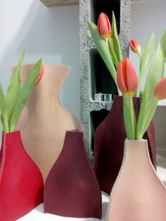 leather vase with tulips made by WELMOED bags & accessories