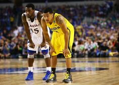 Kansas Jayhawk Men's Basketball fizzles in loss to Michigan in Sweet 16, 87-85