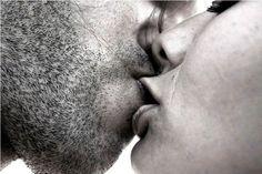 Pierwszy pocałunek, tego momentu nigdy nie zapomnisz…