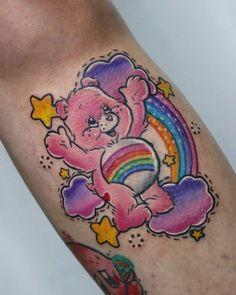 Estampe seu orgulho na pele: tatuagens cheias de amor e luta para o mês do Orgulho LGBTQ+ - Blog Tattoo2me Estilo Geek, Geek Stuff, Skull, Tattoos, Animals, Comic Book Characters, Diversity, Block Prints, Amor