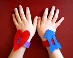crafts for kids: hearts and arrows Valentines bracelets || The Southern Institute