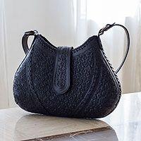 Leather shoulder bag, 'Hip Chic in Black'