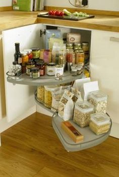 pull-out swish thing for the corner cupboard (howdens)