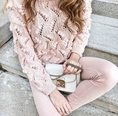 Bobbles and eyelets — designer unknown Crochet Woman, Knit Crochet, Warm Outfits, Winter Outfits, Beginner Crochet Tutorial, Neutral Outfit, Knit Fashion, Knit Patterns, Modest Fashion