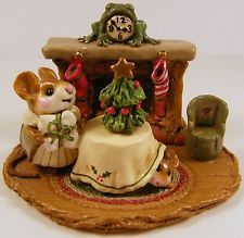 Wee Forest Folk M-191 Christmas Eve 1993- Annette Petersen - RETIRED