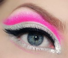 Hot pink and white eye shadow with a trio of crystals. Kiss Makeup, Prom Makeup, Face Makeup, Makeup Stuff, Oval Face Short Hair, Color Guard Makeup, Makeup Tips, Beauty Makeup, White Eyeshadow