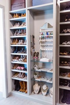 Master Closet Organization Ideas with BeeNeat Organizing Co. Master Closet Organization Ideas with BeeNeat Organizing Co. Organizar Closet, Master Bedroom Closet, Diy Bedroom, Master Bed Room Ideas, Bedroom Ideas For Couples Master, Master Bathroom, Master Closet Layout, Funky Bedroom, Master Closet Design