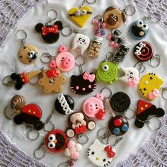 Cute Polymer Clay, Fimo Clay, Polymer Clay Projects, Polymer Clay Charms, Polymer Clay Creations, Polymer Clay Earrings, Clay Crafts, Porcelain Clay, Ceramic Clay