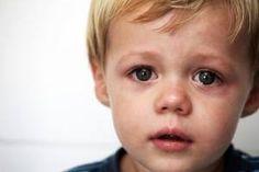 [NOUVEAU BEBE DISPO]  Cette semaine, nous mettons à votre disposition le #bébé #sensible. Fleur-bleue, émotif, (hyper)sensible, le bébé que nous vous proposons est à l'écoute de son environnement et reste profondément chamboulé par ce qu'il lui arrive… Rien de tel pour jouer les protecteurs !  Retrouvez la description dans son intégralité sur http://londemiroir.fr/babyaman