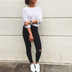 Learn Casual Fall Outfit ideas (but stylish) design and style women will probably be wear right away. casual fall outfits with jeans Fashion Mode, Look Fashion, Teen Fashion, Fashion Outfits, Womens Fashion, Fashion Black, Fashion Ideas, Fashion 2016, Fall Fashion
