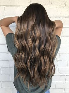 Are you going to balayage hair for the first time and know nothing about this technique? We've gathered everything you need to know about balayage, check! Brown Hair Balayage, Brown Hair With Highlights, Brown Blonde Hair, Brunette Hair, Bronde Balayage, Color Highlights, Brown Highlighted Hair, Sunkissed Hair Brunette, Balayage Brunette Long